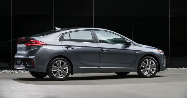 Hyundai Ioniq: 2017's top fuel-efficient gas-electric hybrid