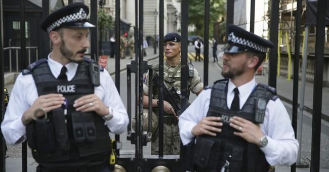 Investigators explore bomber's links to larger network