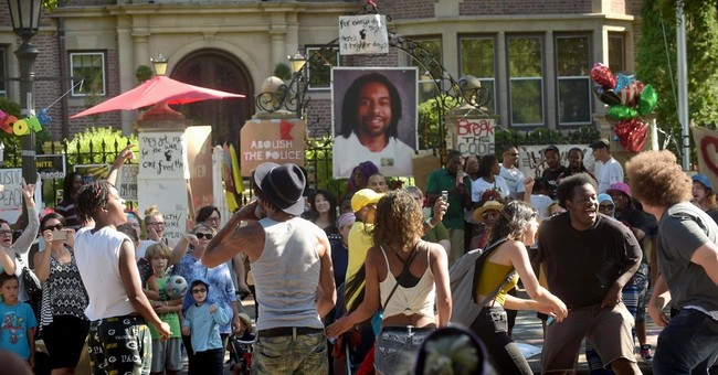 Minnesota Officer Charged In Castile Shooting Goes On Trial