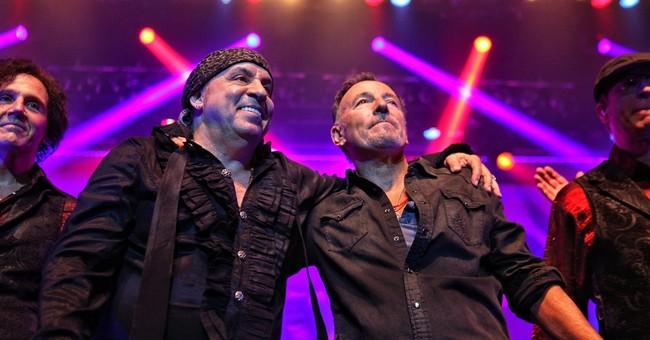 Bruce Springsteen surprises audience at Van Zandt concert