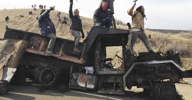 Dakota Access pipeline, law officers had close relationship