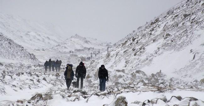 Risky retrieval of Everest bodies raises climbers' concern