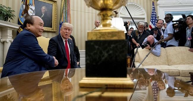 Trump discusses trade deficit with visiting Vietnam leader