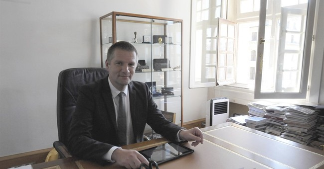 France warns of risk of war in cyberspace