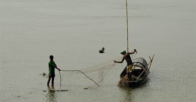Indian fishermen try new nets for healthier oceans