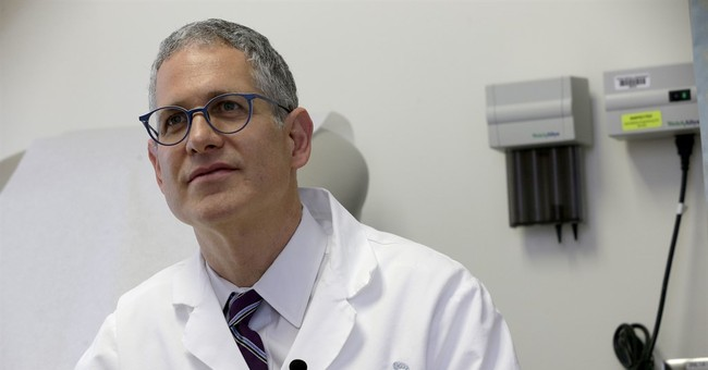 Quickly reporting cancer complications may boost survival