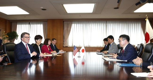 US energy chief reassures Japan of commitment to environment