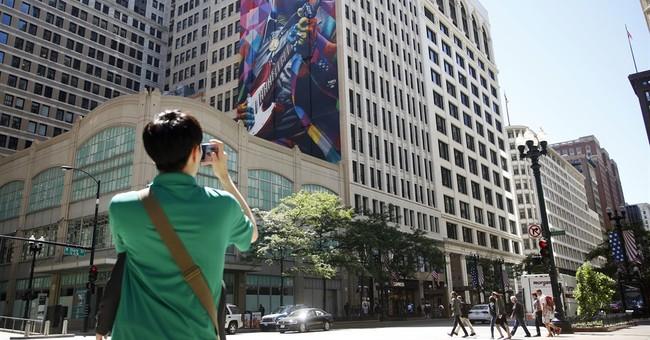 Chicago dedicating 9-story mural to bluesman Muddy Waters