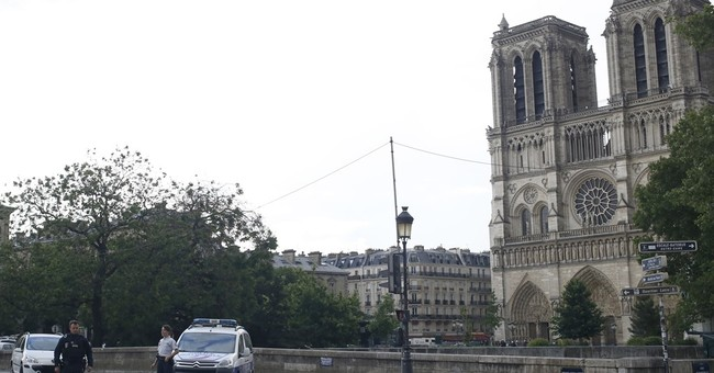 The Latest: Witnesses describe dramatic Notre Dame operation