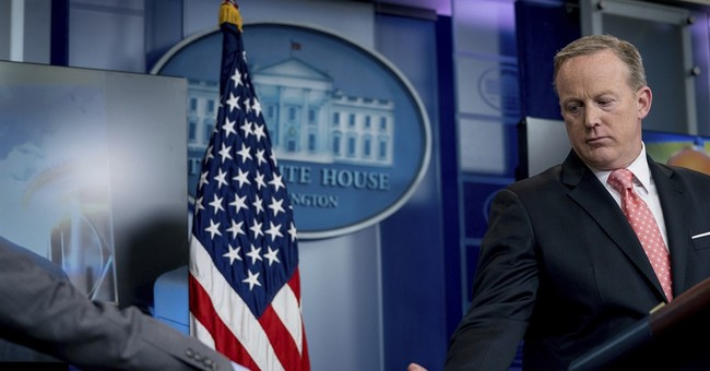 White House looks for ways to undermine Comey's credibility