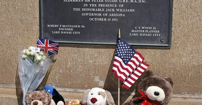 US city's citizens honor victims at their own London Bridge