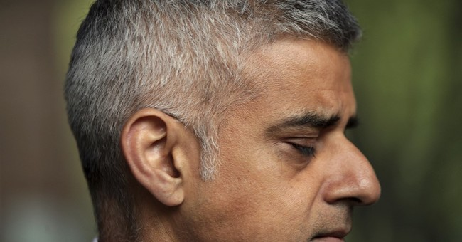 London Mayor Calls On Gov't To Cancel Trump's State Visit