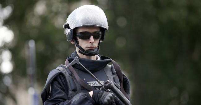 Suspect in Notre Dame attack was ex-journalist, student