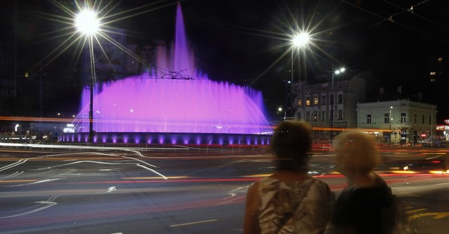 Not everyone dancing to tunes of Belgrade musical fountain