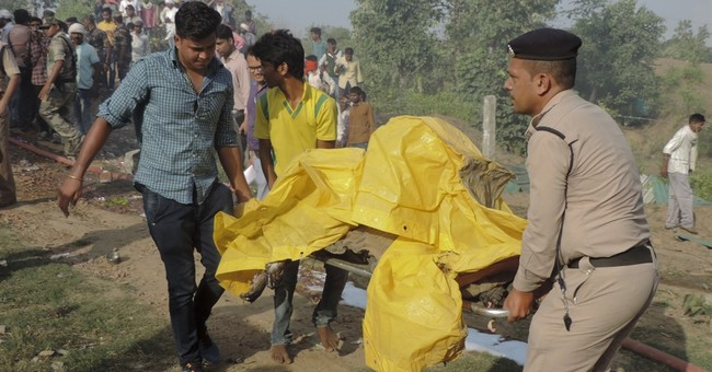 Blast at Indian fireworks factory triggers deadly blaze