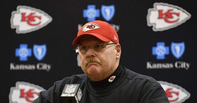 Chiefs' Andy Reid believes holding should have been no-call