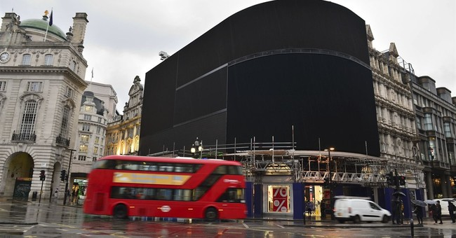 Piccadilly Circus signboard goes dark for digital overhaul