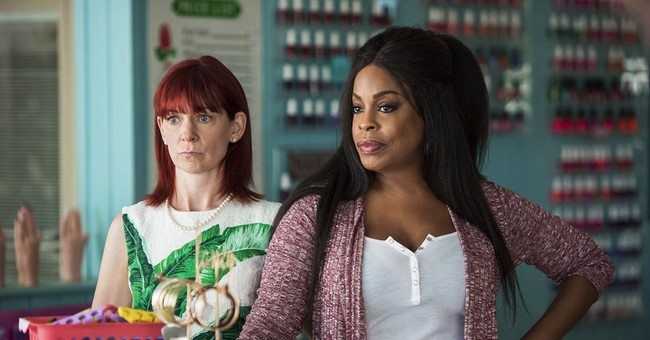Niecy Nash finds sisterhood on TNT's 'Claws,' in Hollywood