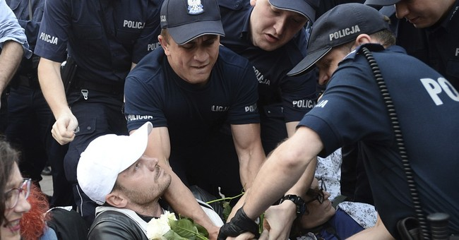 Polish police charge Solidarity activist, other protesters
