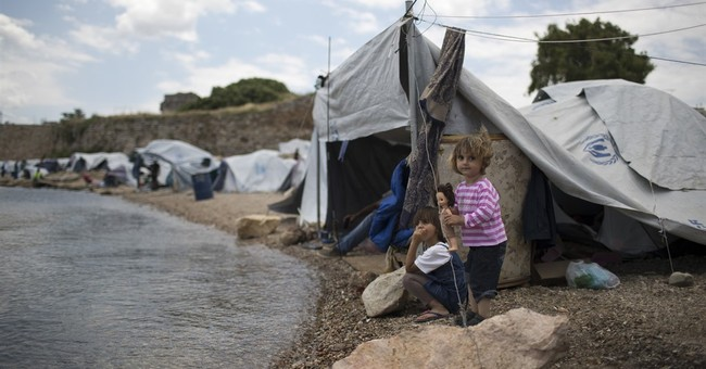 EU warns 3 countries of legal action over refugee plan