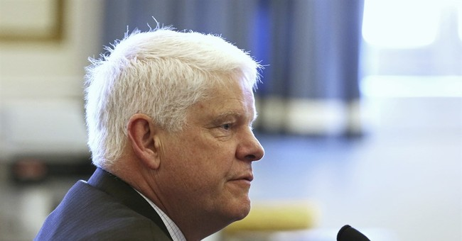 Defense challenges video expert in Ohio officer's retrial