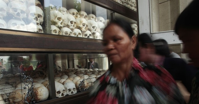 Prosecutors give summation at trial of Khmer Rouge leaders