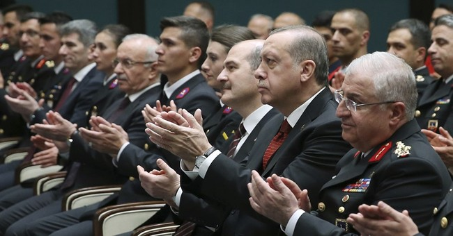 Erdoğan slams United States arrest warrants for his staff
