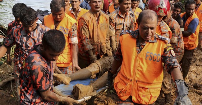 Rescuers aid 4,500 homeless after deadly Bangladesh mudslide