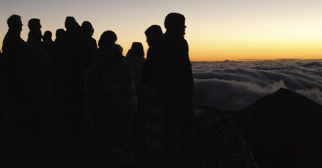 Park Service analyzes Maui Haleakala sunrise reservations