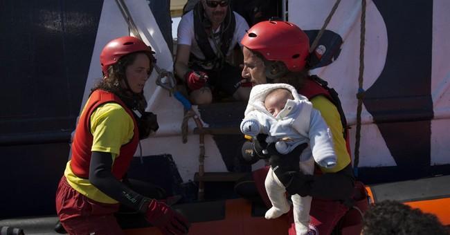 Spanish NGO boat rescues 420 migrants close to Libyan coast