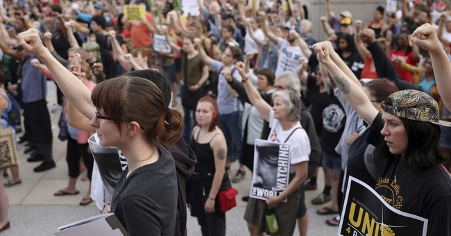 Protesters of Castile shooting largely cleared from freeway