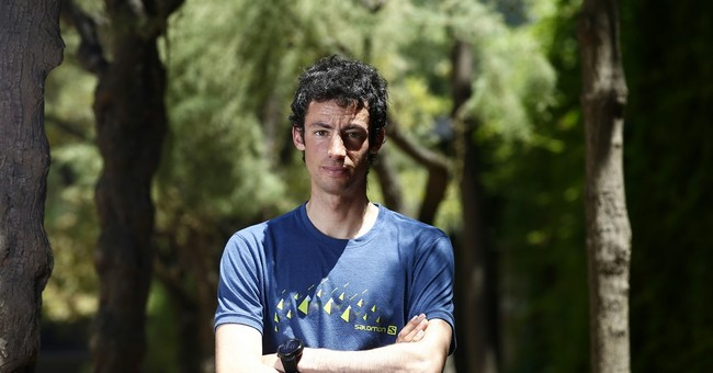 High-altitude runner Kilian Jornet conquers Everest, twice