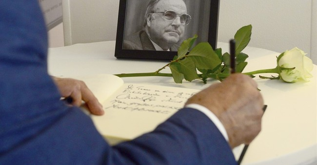 German newspaper editor apologizes for front page on Kohl