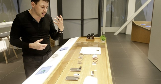New prescription: Doctor offices that look like Apple stores