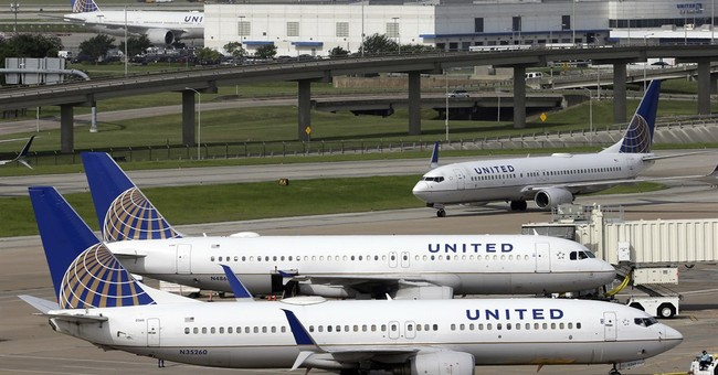 United Airlines 4Q profit drops 52 percent to $397 million