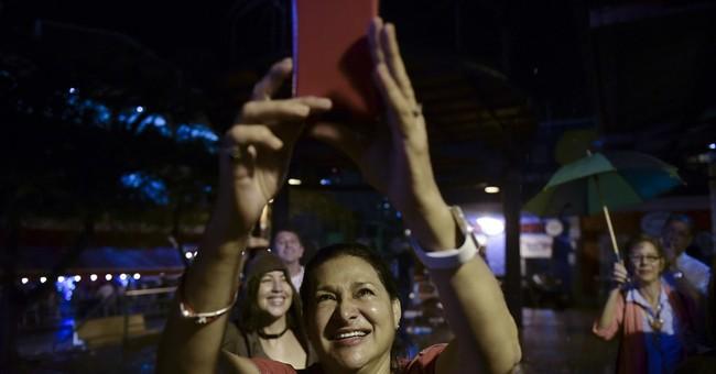 Puerto Ricans cheer commutation for nationalist Oscar Lopez