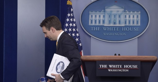 Amid packing boxes and tears, staffers leaving White House
