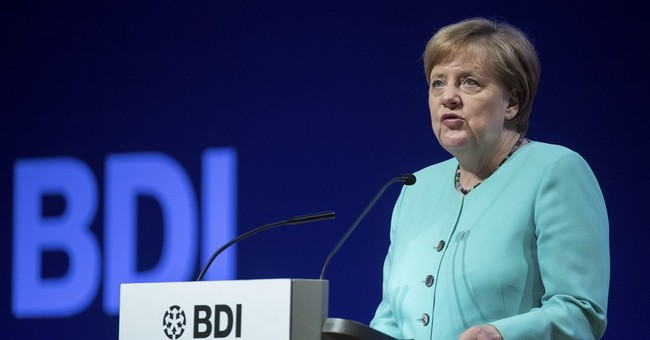 Germany's Merkel vows not to give up on US free trade deal
