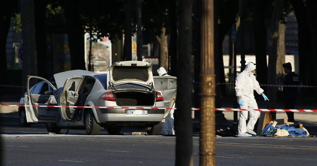 Paris: 4 family members detained after Champs-Elysees attack