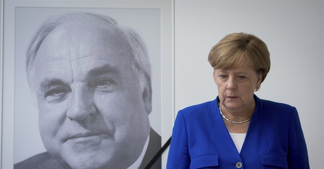 Germany's Kohl to be honored by Macron, Clinton at EU event