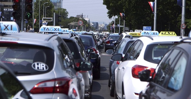 Croatian taxi drivers in protest against Uber