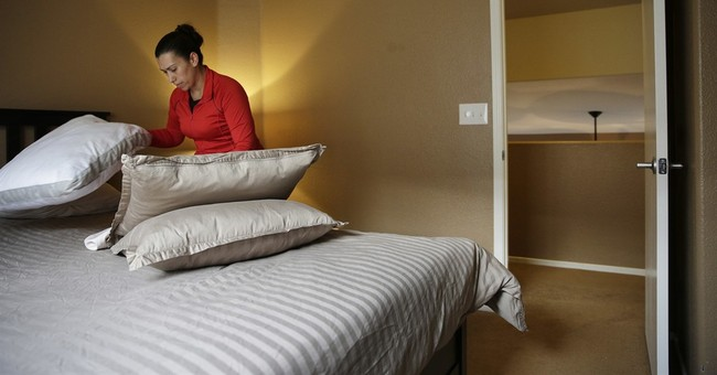 Las Vegas approves rules to crack down on short-term rentals