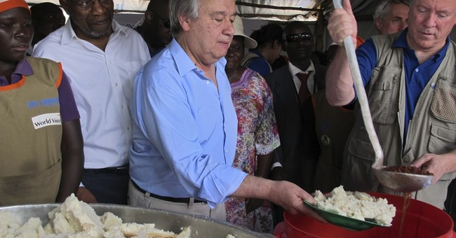 South Sudan must end war, UN chief says on refugee visit