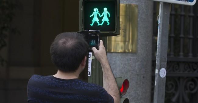 Madrid hosts_ and debates_ global gay pride