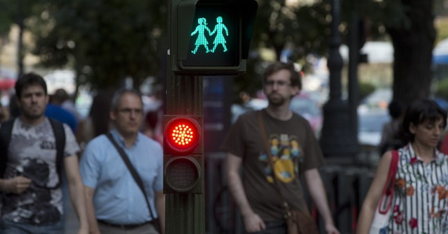 Madrid hosts_ and debates_ global gay pride