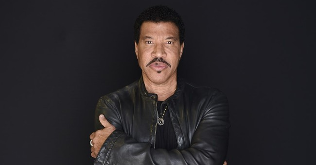 Lionel Richie: Tour with Mariah Carey will be 'camp city'