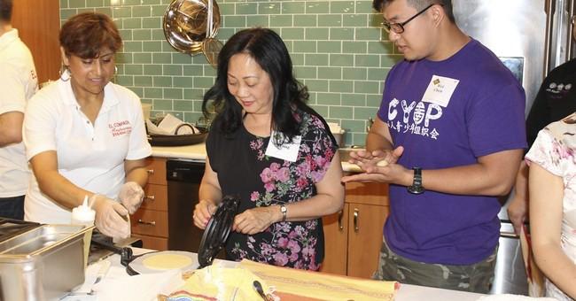 Meal program bridges cultural divisions, 1 plate at a time