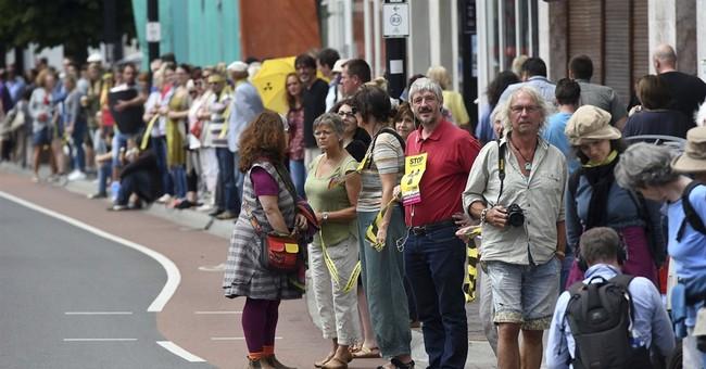 Thousands protest against Belgian nuclear reactors