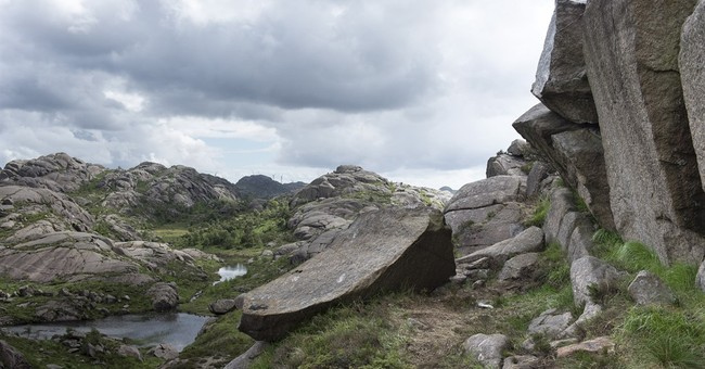 Norwegians collect money to fix penis-shaped rock formation