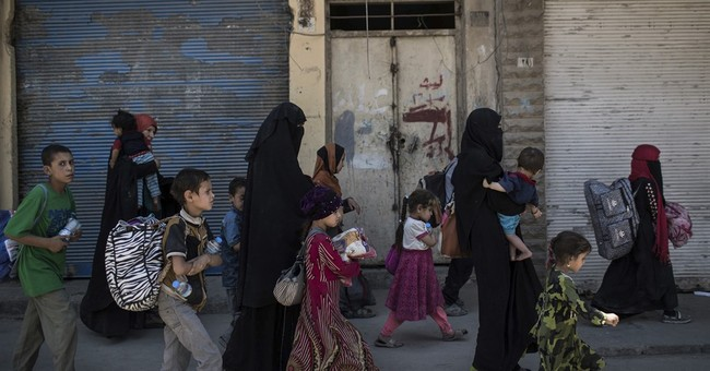 IS fighters launch counterattacks in west Mosul neighborhood